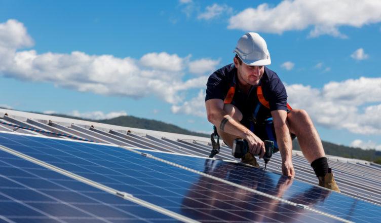 Kunnen mijn zonnepanelen op dak aangepast worden?